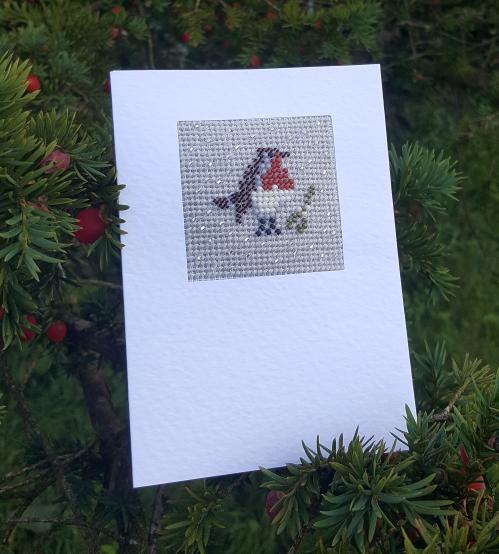 robin beadwork card in berry bush
